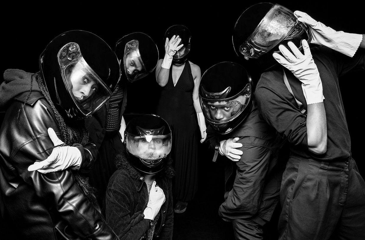 01.1 photo officielle- Mélanie Demers et ses interprètes- Cabaret noir © Kevin Calixte_BNW_sm